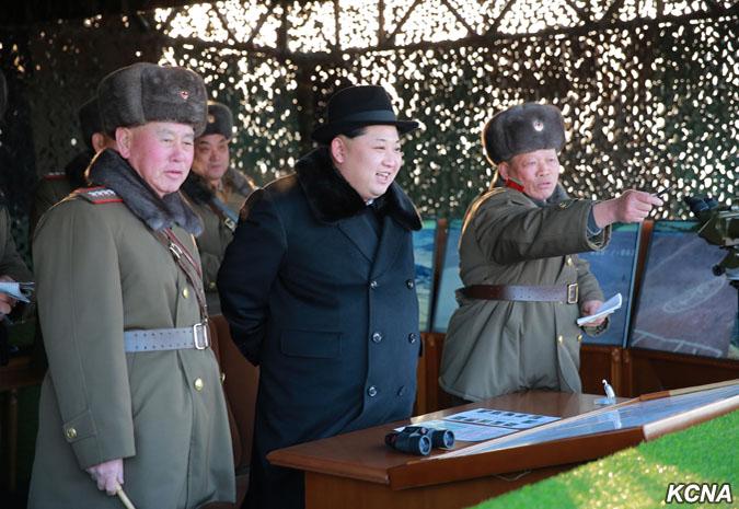 Kim Čong Un řídil manévry velkých kombinovaných jednotek KLA