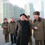 Kim Čong Un poskytl polní pokyny stavbě ulice Rjomjong