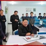 Kim Čong Un navštívil továrnu na obuv Rjuwon