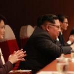 Kim Čong Un sledoval vystoupení uměleckého souboru jižní strany