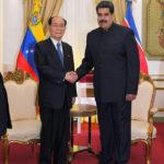 Prebehli rokovania medzi Kim Jong Namom a Nicolásom Madurom