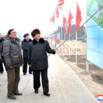 Súdruh Pak Pong Džu skontroloval závody v oblasti Sunčchon