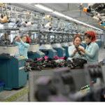 Pchjongjangská továrna na ponožky zvyšuje výrobu