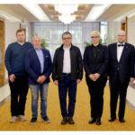 Česká parlamentní delegace přiletěla do Pchjongjangu