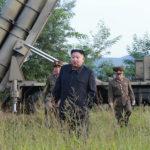 Soudruh KIM ČONG UN opět vedl zkušební palbu mimořádně velkého raketometu