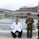 Soudruh KIM ČONG UN zkontroloval závěrečnou fázi výstavby lázeňské zóny okresu Jangdok