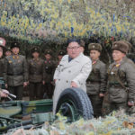 Soudruh KIM ČONG UN zkontroloval obranu ostrova Čchangrin