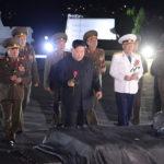 Soudruh KIM ČONG UN navštívil hřbitov hrdinů Vlastenecké osvobozenecké války